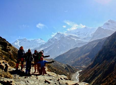 Volunteers on Conservation project in Nepal