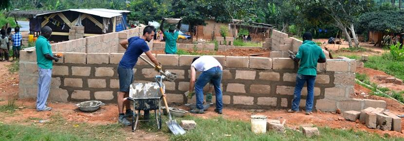 Volunteers on Projects Abroad Building programme in Ghana